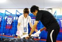柔道整復学科の学生たちが、Jリーグ公式戦でトレーナーを体験しました!