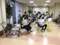 社会福祉法人聖風会 千住桜花苑で吹奏楽部が演奏会を行いました
