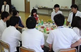 平成27年第2回オープンキャンパスで、本校学生との懇談会